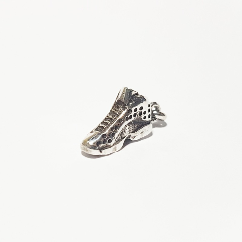 pendente-scarpa-da-basket-jordan